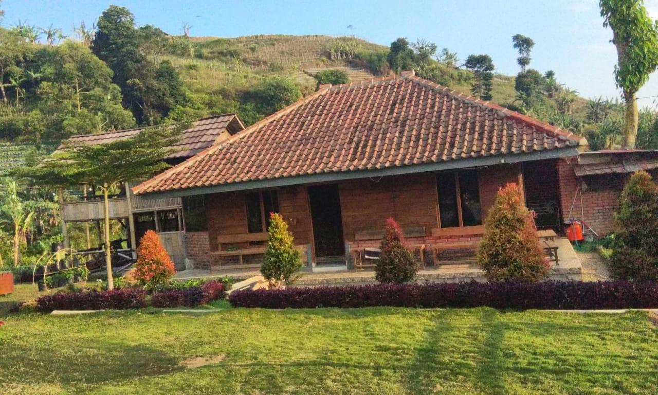 Sewa Villa Panyaweuyan Majalengka
